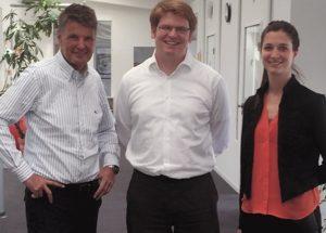 Gemeinsam für leistungsfähige EVU-Prozesse: Ulrich Mettenmeier, Jakob Freund von der camunda services GmbH und Eva Mettenmeier.